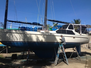 The anti fouling is finished- now to polish the hull
