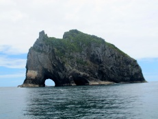The Hole in the Rock, Piercy island
