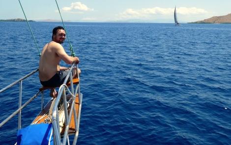 Mik Rinca sail