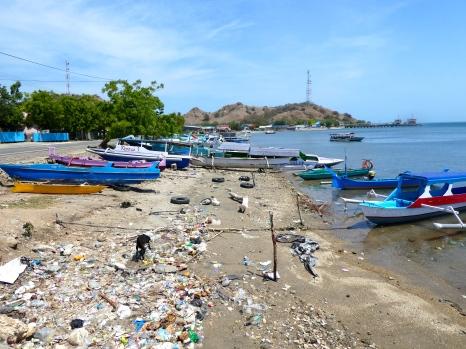 The inevitable rubbish everywhere...Porto Tanno