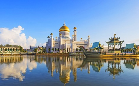 The Omar Sultan Ali Saiffuddin Mosque in Brunei